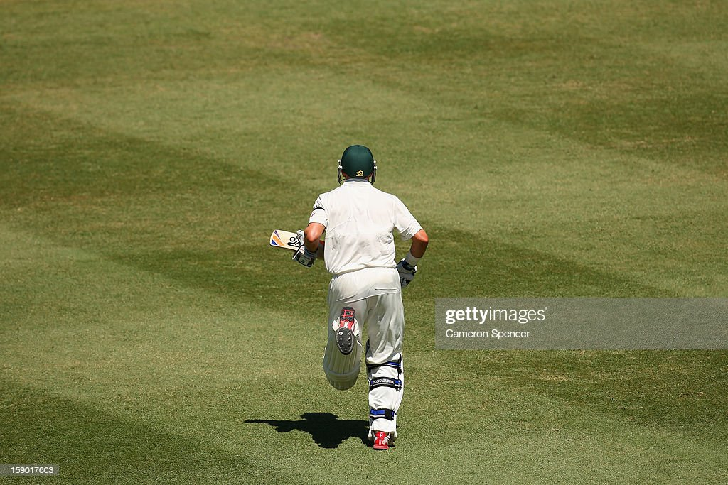 Michael Hussey of Australia runs out to bat during day four of the Third Test match between Australia and Sri Lanka at Sydney Cricket Ground on January 6, 2013 in Sydney, Australia.