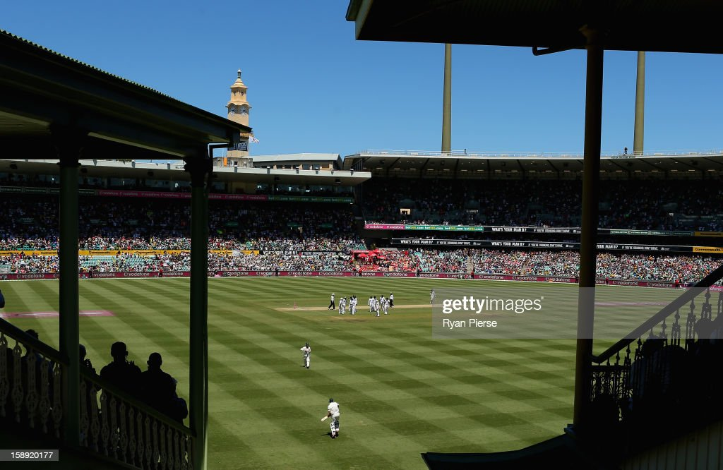 Michael Hussey of Australia walks out to bat during his last test during day two of the Third Test match between Australia and Sri Lanka at Sydney Cricket Ground on January 4, 2013 in Sydney, Australia.