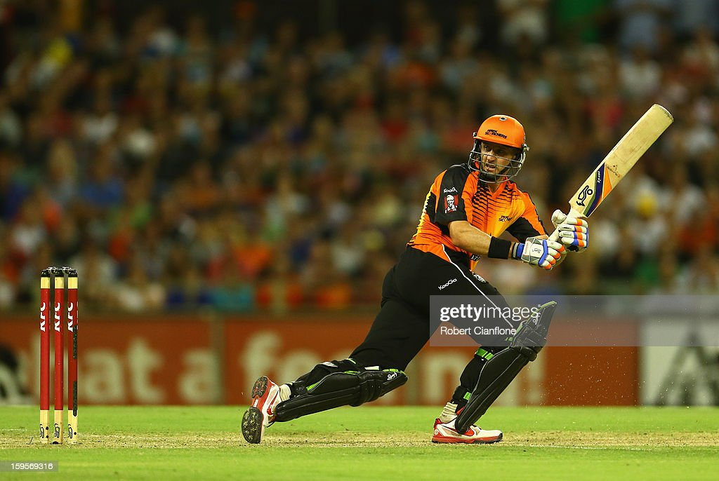 Michael Hussey of the Scorchers bats during the Big Bash League semi-final match between the Perth Scorchers and the Melbourne Stars at the WACA on January 16, 2013 in Perth, Australia.
