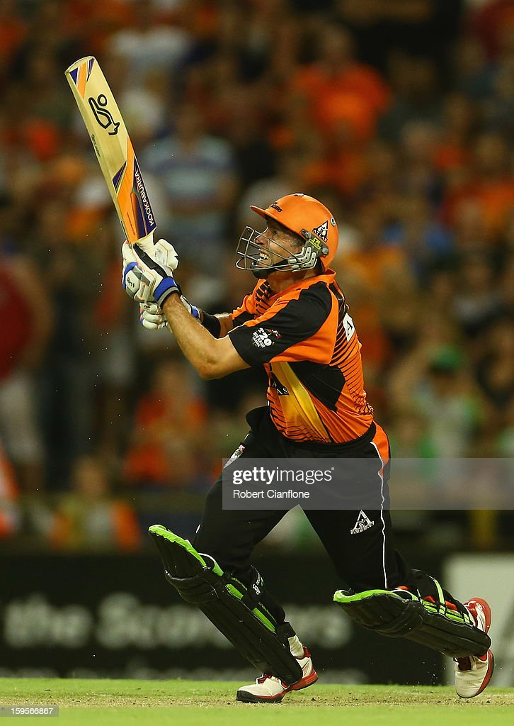 Michael Hussey of the Scorchers scores the winning run during the Big Bash League semi-final match between the Perth Scorchers and the Melbourne Stars at the WACA on January 16, 2013 in Perth, Australia.