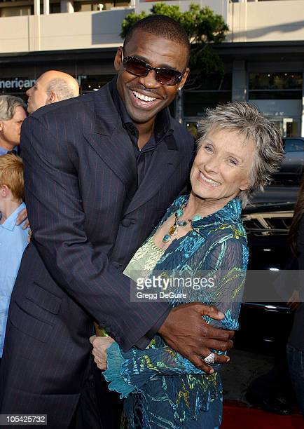 Michael Irvin and Cloris Leachman during 'The Longest Yard' Los Angeles Premiere Arrivals at Grauman's Chinese Theatre in Hollywood California United...