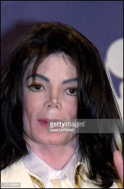 Michael Jackson at Annual Rock and Roll hall of fame at the Waldorf Astoria Hotel in New York United States on March 19 2001