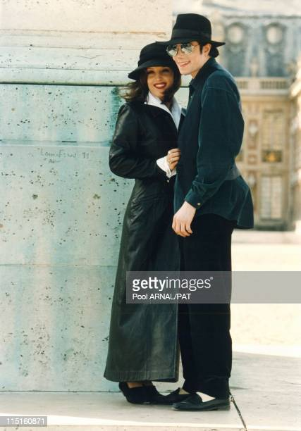 Michael Jackson in Versailles France in 1994 Michael Jackson with Lisa Marie Presley in Versailles