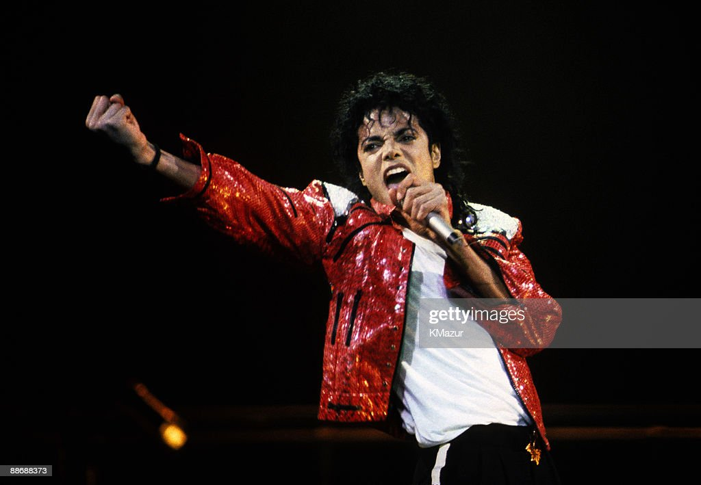<a gi-track='captionPersonalityLinkClicked' href=/galleries/search?phrase=Michael+Jackson&family=editorial&specificpeople=70011 ng-click='$event.stopPropagation()'>Michael Jackson</a> performs in concert circa 1986.