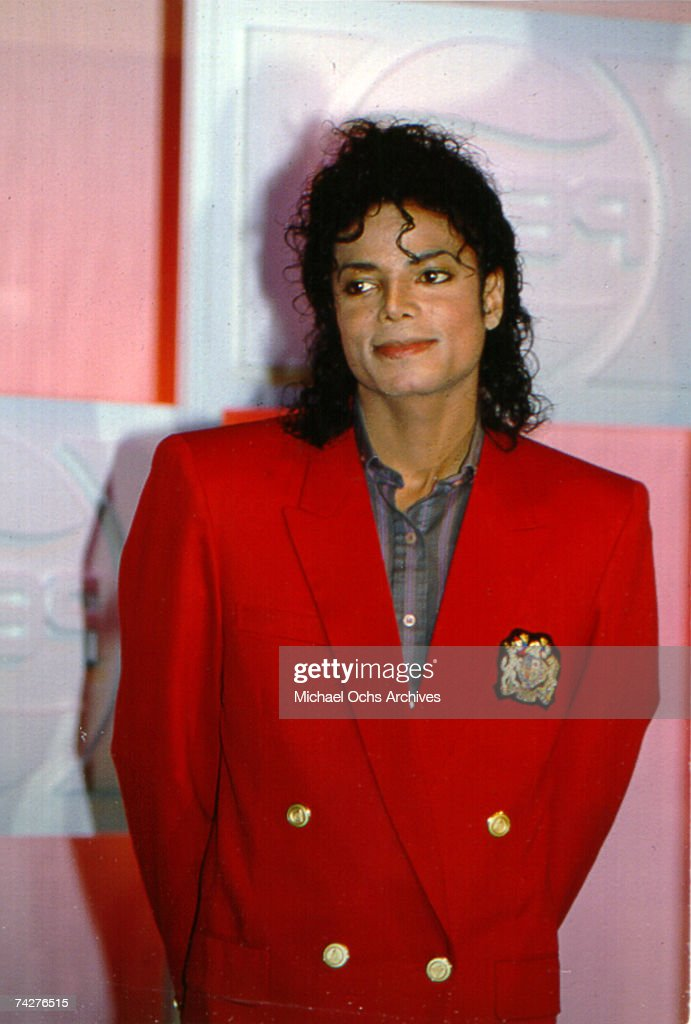 <a gi-track='captionPersonalityLinkClicked' href=/galleries/search?phrase=Michael+Jackson&family=editorial&specificpeople=70011 ng-click='$event.stopPropagation()'>Michael Jackson</a> poses at a Pepsi Cola public relations event on the eve of the Radio City Music Hall Grammy Awards March 1, 1988 in New York City, New York.