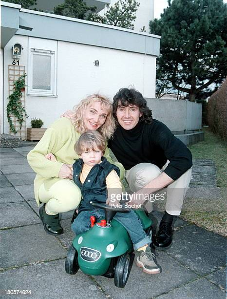 Michael Kastel Sohn Maurice Kastel Ehefrau Sandra Kastel Homestory Waldbronn BobyCar Spielzeug spielen Kind