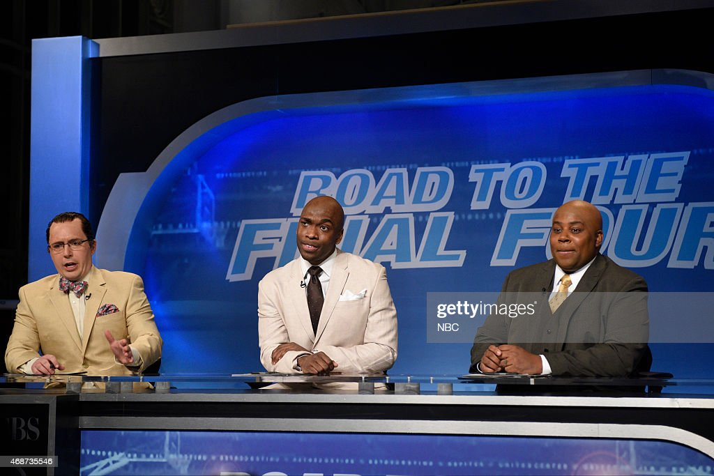 LIVE 'Michael Keaton' Episode 1679 Pictured Beck Bennett as Ernie Johnson Jay Pharoah as Kenny Smith and Kenan Thompson as Charles Barkley during the...