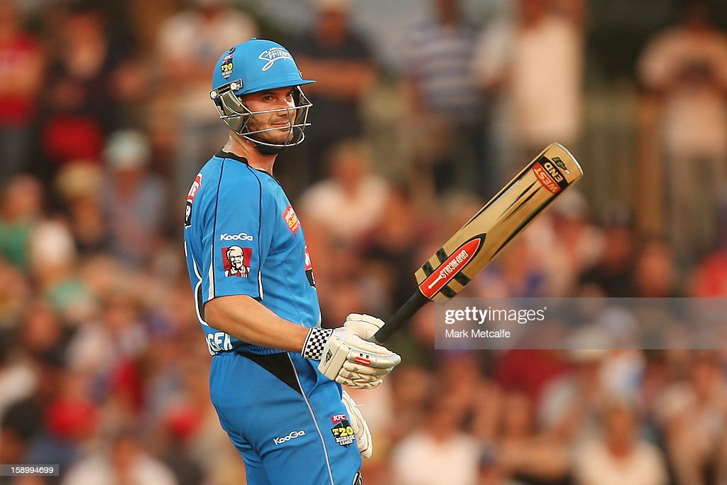 <a gi-track='captionPersonalityLinkClicked' href=/galleries/search?phrase=Michael+Klinger&family=editorial&specificpeople=791573 ng-click='$event.stopPropagation()'>Michael Klinger</a> of the Strikers acknowledges the crowd as he reaches a half century during the Big Bash League match between the Hobart Hurricanes and the Adelaide Strikers at Blundstone Arena on January 5, 2013 in Hobart, Australia.