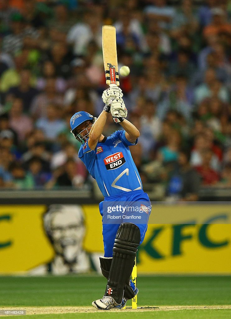 <a gi-track='captionPersonalityLinkClicked' href=/galleries/search?phrase=Michael+Klinger&family=editorial&specificpeople=791573 ng-click='$event.stopPropagation()'>Michael Klinger</a> of the Strikers bats during the Big Bash League match between the Melbourne Stars and the Adelaide Strikers at the Melbourne Cricket Ground on January 9, 2014 in Melbourne, Australia.