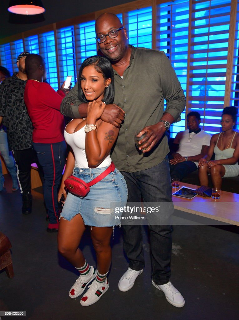 Michael Kyser and Bernice Burgos attend Baller Alert's Bowl With a Baller at Basement Bowl on October 5, 2017 in Miami, Florida.