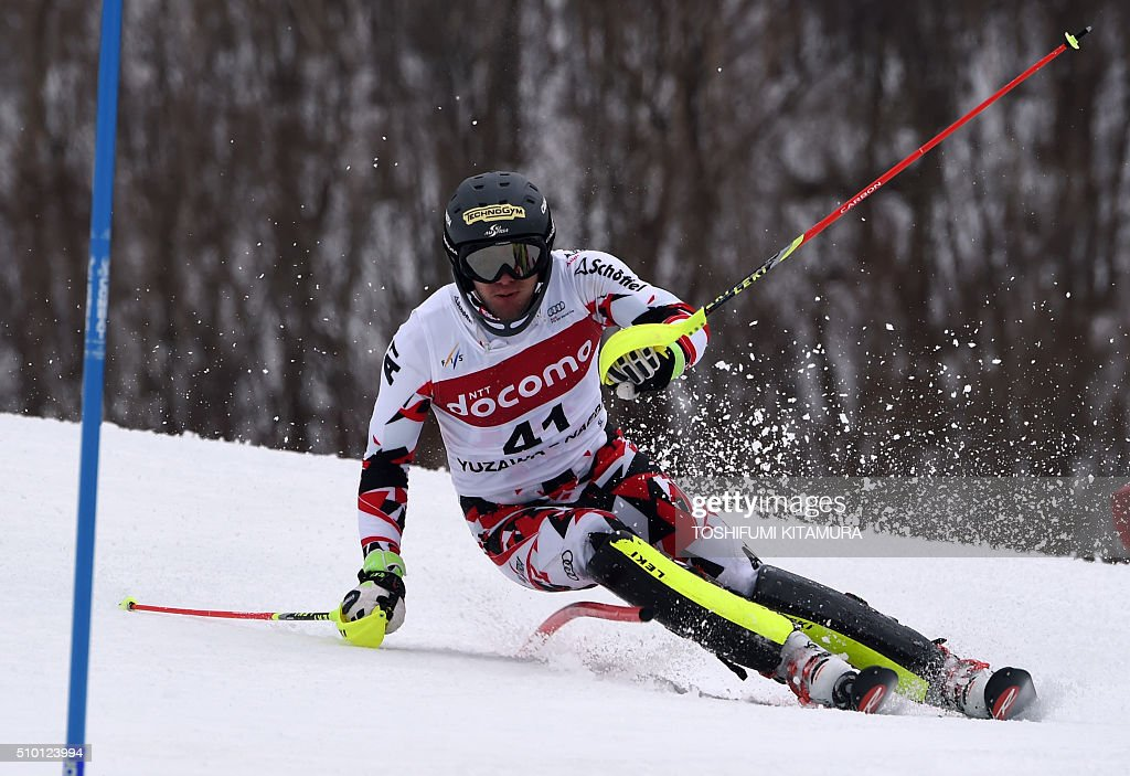 Michael Matt of Austria skies down the course during the FIS Ski World Cup 2015/2016 men's slalom competition first run at the Naeba ski resort in Yuzawa town, Niigata prefecture on February 14, 2016. AFP PHOTO / TOSHIFUMI KITAMURA / AFP / TOSHIFUMI KITAMURA
