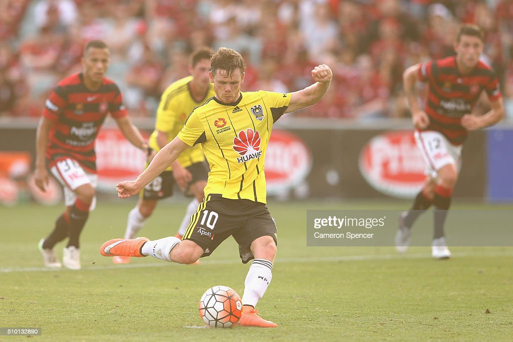 Michael McGlinchey of the Phoenix kicks a penalty goal during the round 19 A-League match between the Western Sydney Wanderers and the Wellington Phoenix at Pirtek Stadium on February 14, 2016 in Sydney, Australia.