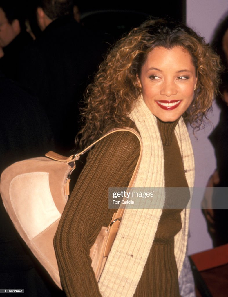 <a gi-track='captionPersonalityLinkClicked' href=/galleries/search?phrase=Michael+Michele&family=editorial&specificpeople=206270 ng-click='$event.stopPropagation()'>Michael Michele</a> at the Premiere of 'Analyze That', Ziegfeld Theater, New York City.