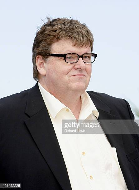 michael moore sicko Michael moore's sicko premiered in new york city on june 22 and nationally on june 29 after several weeks of promotion, hype, and mainstream media interest, most of.
