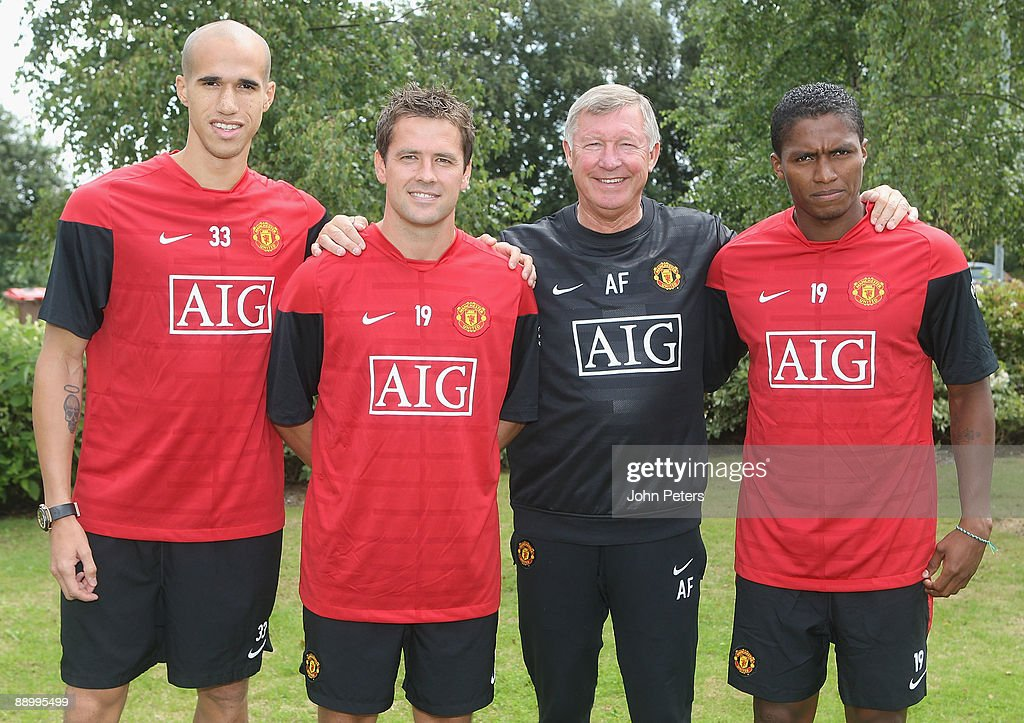 Manchester United Press Conference to unveil new signings : News Photo