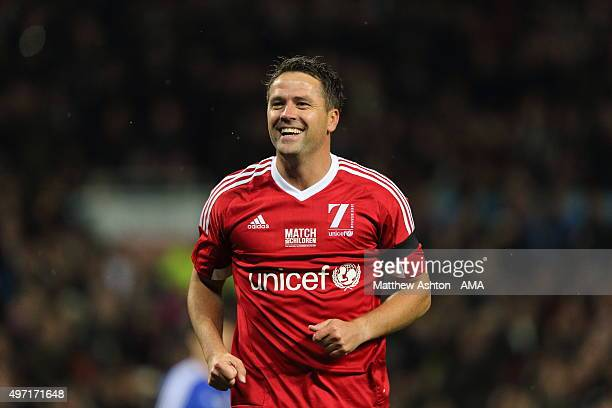 Michael Owen of Great Britain and Ireland XI during the David Beckham Match for Children in aid of UNICEF at Old Trafford on November 14 2015 in...