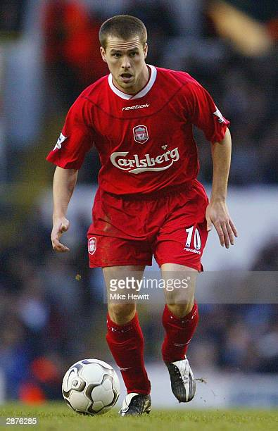 Michael Owen of Liverpool in action during the FA Barclaycard Premiership match between Tottenham Hotspur and Liverpool at White Hart Lane on January...