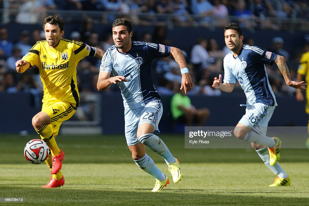 <a gi-track='captionPersonalityLinkClicked' href=/galleries/search?phrase=Michael+Parkhurst&family=editorial&specificpeople=553653 ng-click='$event.stopPropagation()'>Michael Parkhurst</a> #4 of Columbus Crew attempts to clear the ball away from Hassan Ali 'Soony' Saad #22 of Sporting KC May 4, 2014 at Sporting Park in Kansas City, Kansas.