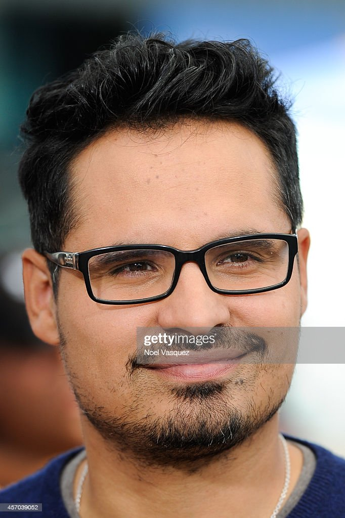Michael Pena visits 'Extra' at Universal Studios Hollywood on October 10 2014 in Universal City California