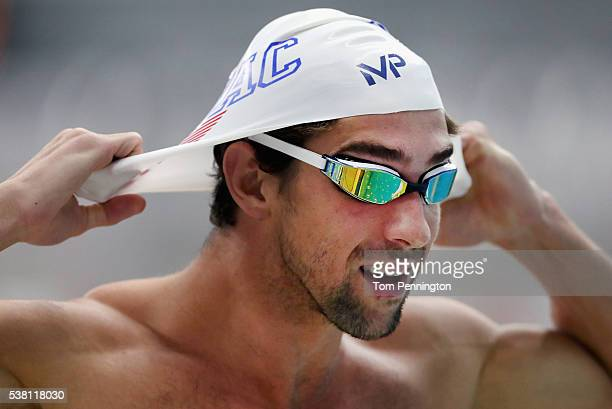 Michael Phelps prepares to swim in the Men's 200 meter freestyle final during the 2016 Austin Elite Invite on June 4 2016 in Austin Texas
