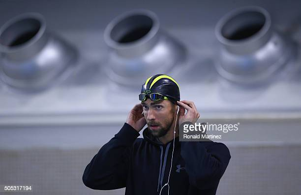 Michael Phelps prepares to swim in the Men's 200 meter freestyle during the Arena Pro Swim Series at Austin on January 16 2016 in Austin Texas