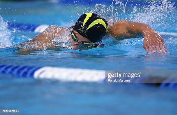 Michael Phelps swims in the Men's 200 meter freestyle during the Arena Pro Swim Series at Austin on January 16 2016 in Austin Texas