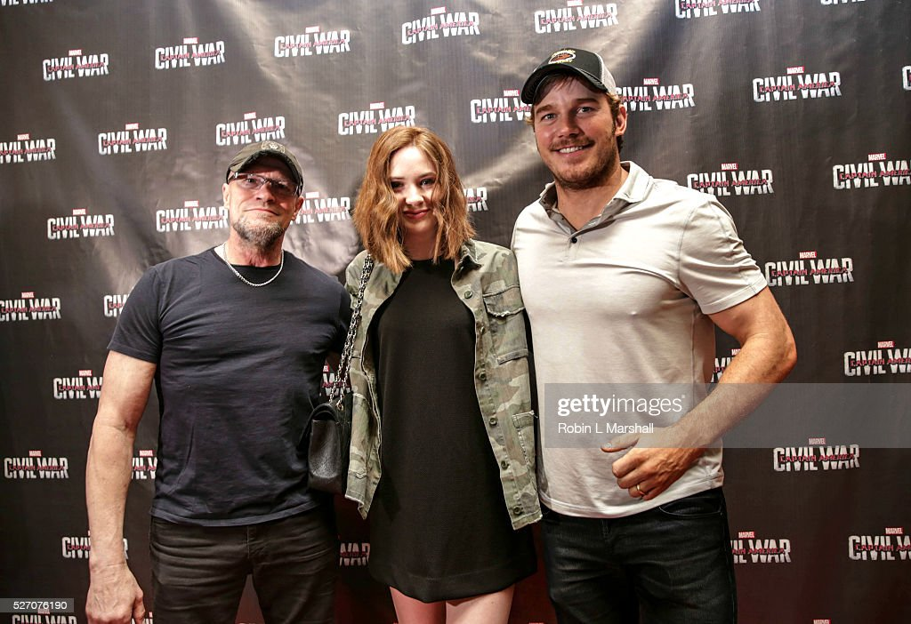 <a gi-track='captionPersonalityLinkClicked' href=/galleries/search?phrase=Michael+Rooker&family=editorial&specificpeople=640228 ng-click='$event.stopPropagation()'>Michael Rooker</a>, Karen Gillian and <a gi-track='captionPersonalityLinkClicked' href=/galleries/search?phrase=Chris+Pratt+-+Actor&family=editorial&specificpeople=239084 ng-click='$event.stopPropagation()'>Chris Pratt</a> 'Guardians of the Galaxy' attend 'Captain America: Civil War' Screening at the Fox Theatre on May 1, 2016 in Atlanta, Georgia.