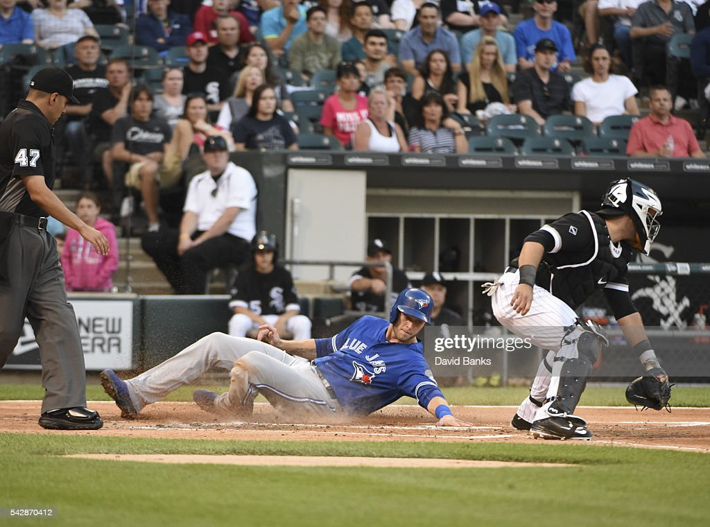 <a gi-track='captionPersonalityLinkClicked' href=/galleries/search?phrase=Michael+Saunders+-+Baseball+Player&family=editorial&specificpeople=10553013 ng-click='$event.stopPropagation()'>Michael Saunders</a> #21 of the Toronto Blue Jays scores as Alex Avila #31 of the Chicago White Sox waits for the throw during the second inning on June 24, 2016 at U. S. Cellular Field in Chicago, Illinois.