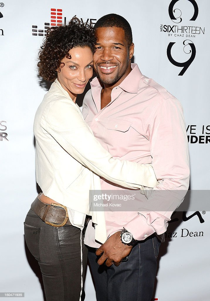 <a gi-track='captionPersonalityLinkClicked' href=/galleries/search?phrase=Michael+Strahan&family=editorial&specificpeople=210563 ng-click='$event.stopPropagation()'>Michael Strahan</a> (R) and Nicole Murphy attend Chaz Dean's Birthday Party Benefiting Love Is Louder on August 18, 2012 in Los Angeles, California.