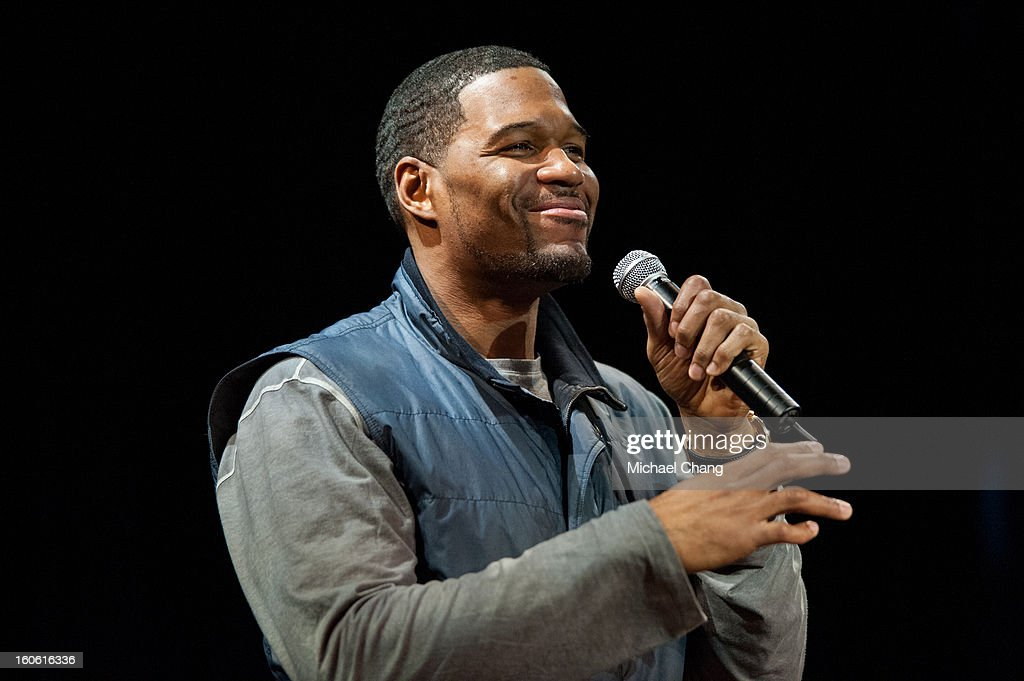 <a gi-track='captionPersonalityLinkClicked' href=/galleries/search?phrase=Michael+Strahan&family=editorial&specificpeople=210563 ng-click='$event.stopPropagation()'>Michael Strahan</a> answers questions from the audience during the Ultimate Super Bowl Tailgate Party hosted by <a gi-track='captionPersonalityLinkClicked' href=/galleries/search?phrase=Michael+Strahan&family=editorial&specificpeople=210563 ng-click='$event.stopPropagation()'>Michael Strahan</a> at Harrah's Casino on February 3, 2013 in New Orleans, Louisiana.