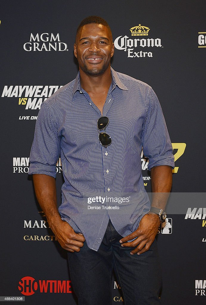 <a gi-track='captionPersonalityLinkClicked' href=/galleries/search?phrase=Michael+Strahan&family=editorial&specificpeople=210563 ng-click='$event.stopPropagation()'>Michael Strahan</a> arrives at Showtime's VIP Pre-Fight party for 'MAYHEM: MAYWEATHER VS. MAIDANA 2' at MGM Grand Garden Arena on September 13, 2014 in Las Vegas, Nevada.