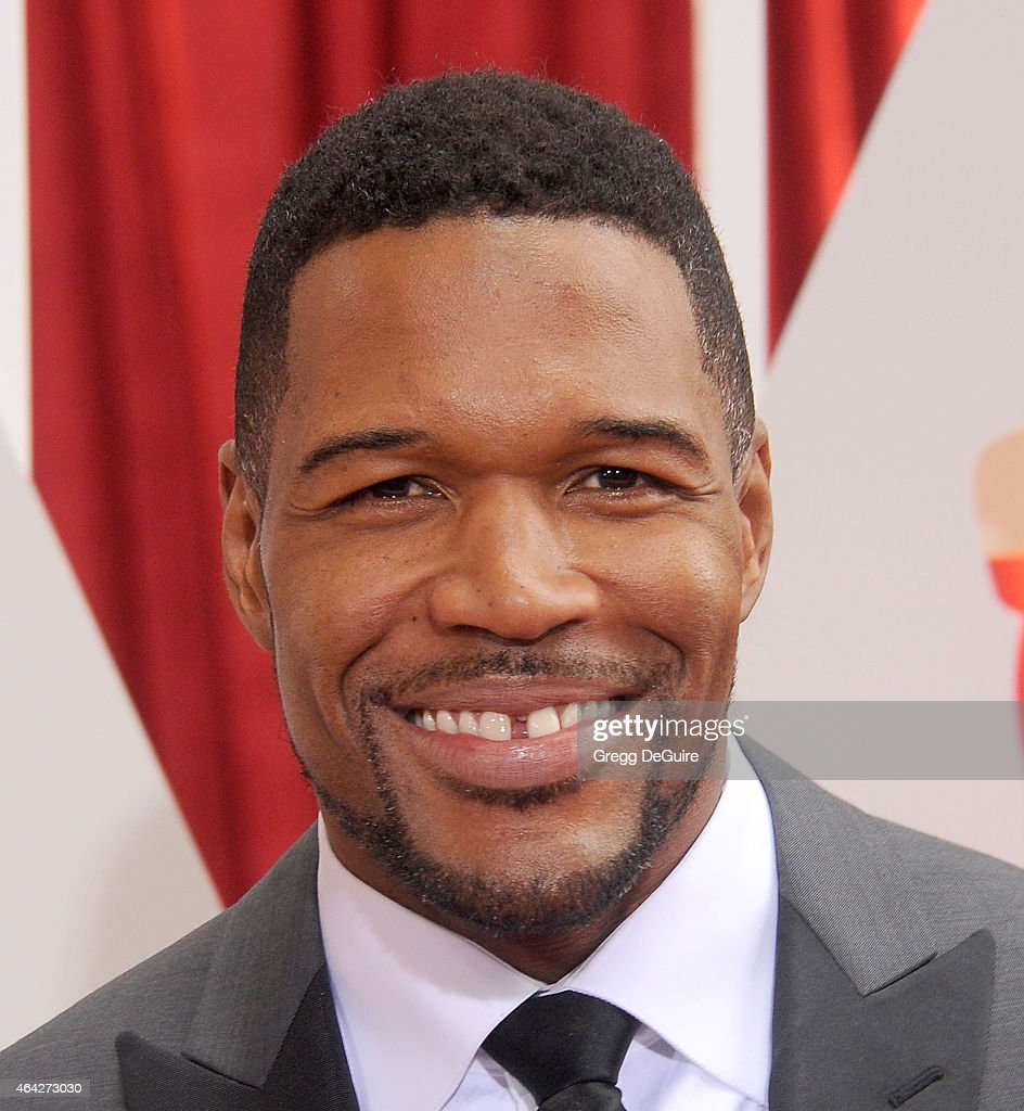 <a gi-track='captionPersonalityLinkClicked' href=/galleries/search?phrase=Michael+Strahan&family=editorial&specificpeople=210563 ng-click='$event.stopPropagation()'>Michael Strahan</a> arrives at the 87th Annual Academy Awards at Hollywood & Highland Center on February 22, 2015 in Hollywood, California.
