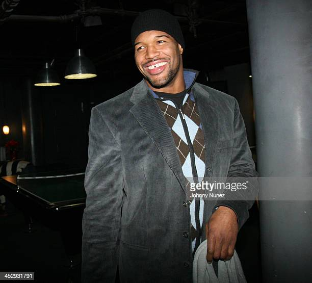 Michael Strahan attends Michael Strahan's Santa's BIG Helper Christmas Party at Club Slate December 17 2007 in New York City
