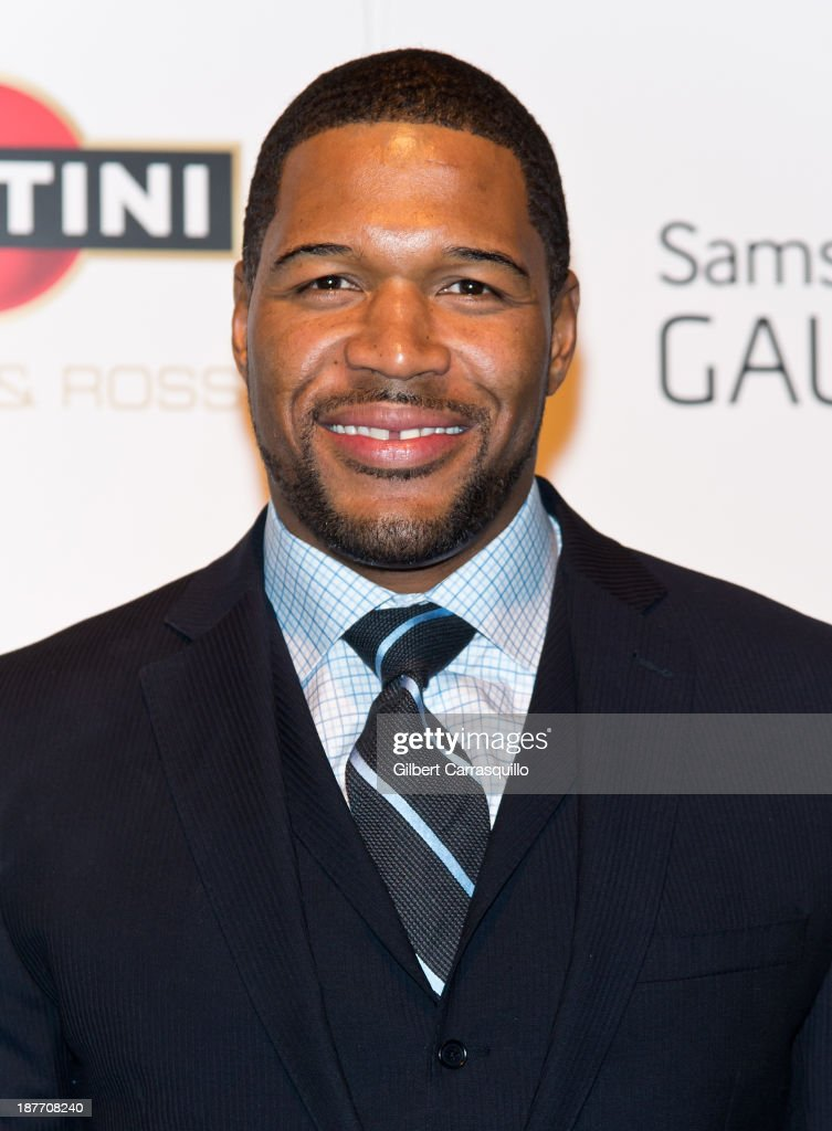 <a gi-track='captionPersonalityLinkClicked' href=/galleries/search?phrase=Michael+Strahan&family=editorial&specificpeople=210563 ng-click='$event.stopPropagation()'>Michael Strahan</a> attends 'The Best Man Holiday' screening at Chelsea Bow Tie Cinemas on November 11, 2013 in New York City.