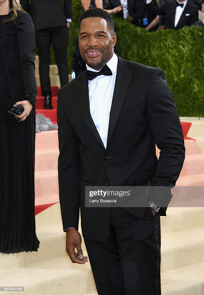 Michael Strahan attends the 'Manus x Machina: Fashion In An Age Of Technology' Costume Institute Gala at Metropolitan Museum of Art on May 2, 2016 in New York City.