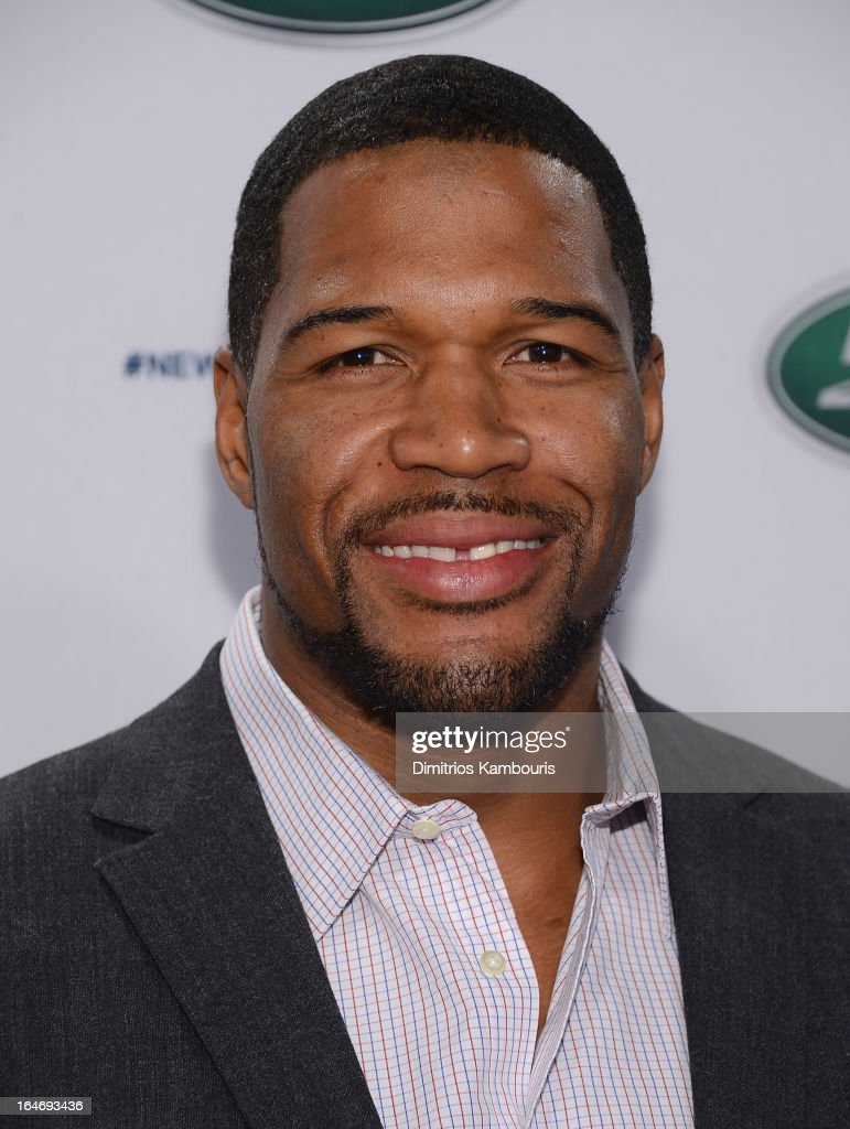Michael Strahan attends the Range Rover Sport world unveiling at the 2013 New York Auto Show at Skylight at Moynihan Station on March 26, 2013 in New York City.