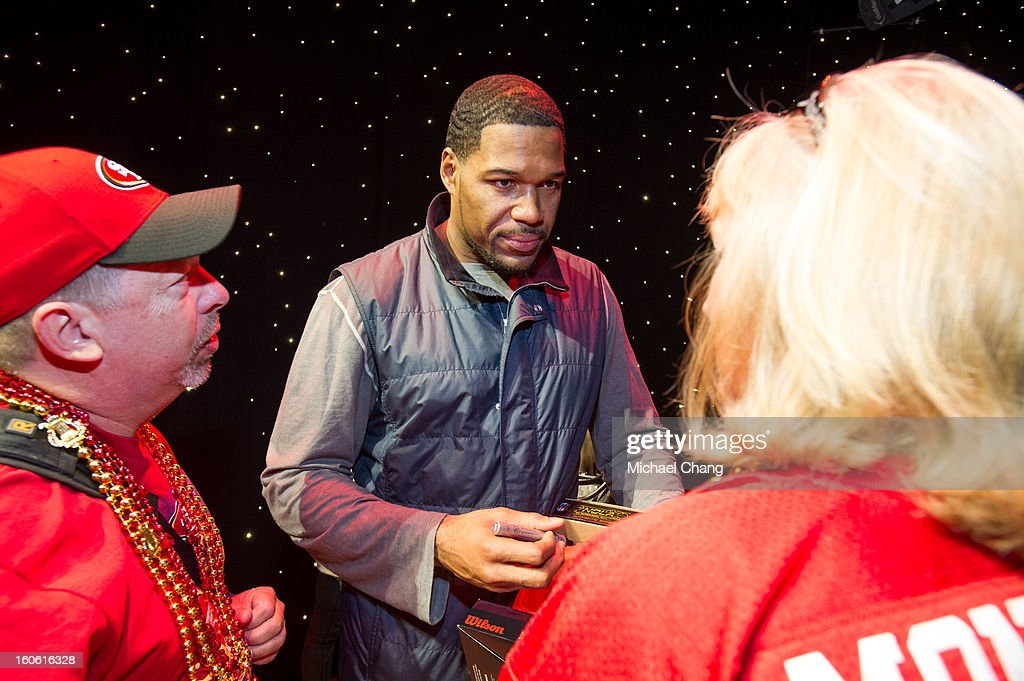 Michael Strahan speaks to fans backstage during the Ultimate Super Bowl Tailgate Party hosted by Michael Strahan at Harrah's Casino on February 3, 2013 in New Orleans, Louisiana.