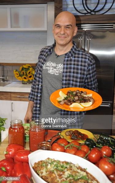 AMERICA Michael Symon of ABC's 'The Chew' appears on 'Good Morning America' 9/22/11 airing on the ABC Television Network MICHAEL