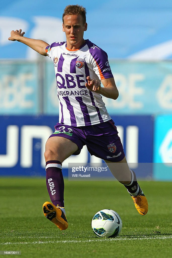 Michael Thwaite of the Perth Glory looks to pass the ball during the round 25 A-League match between the Perth Glory and the Wellington Phoenix at nib Stadium on March 17, 2013 in Perth, Australia.