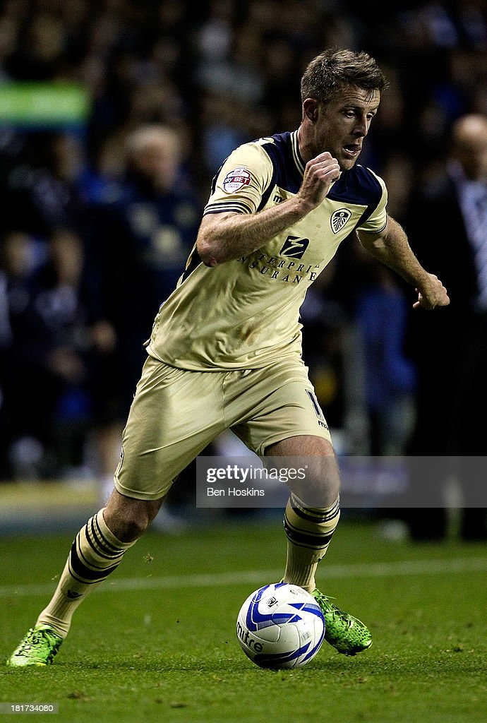 <a gi-track='captionPersonalityLinkClicked' href=/galleries/search?phrase=Michael+Tonge&family=editorial&specificpeople=196528 ng-click='$event.stopPropagation()'>Michael Tonge</a> of Leeds in action during the Sky Bet Championship match between Reading and Leeds United at Madejski Stadium on September 18, 2013 in Reading, England.