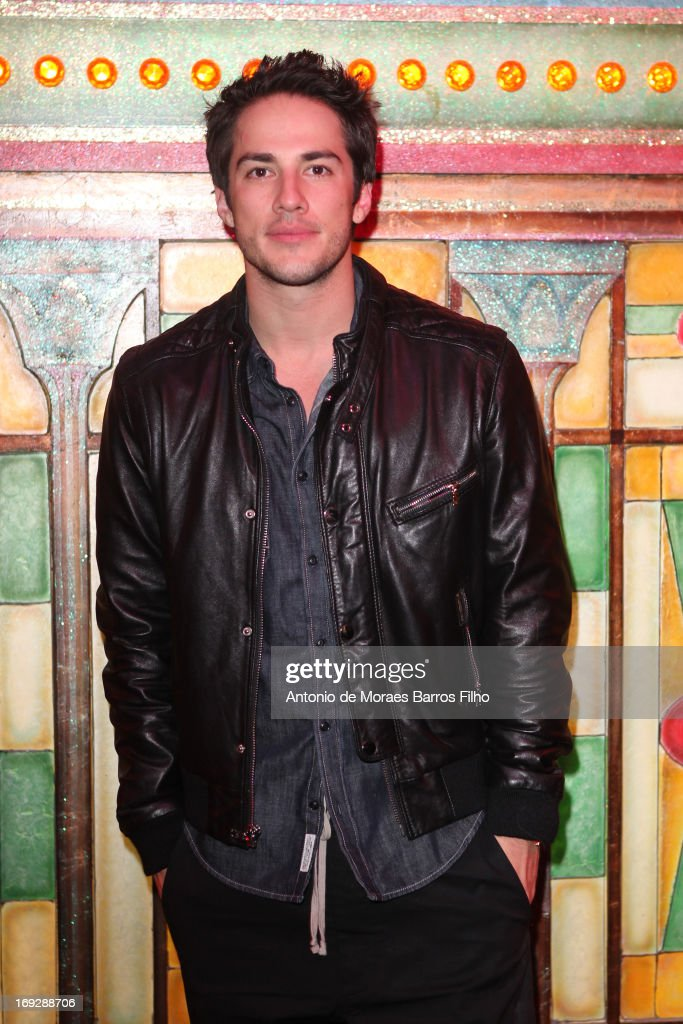<a gi-track='captionPersonalityLinkClicked' href=/galleries/search?phrase=Michael+Trevino&family=editorial&specificpeople=4069456 ng-click='$event.stopPropagation()'>Michael Trevino</a> poses backstage at Le Moulin Rouge on May 22, 2013 in Paris, France.