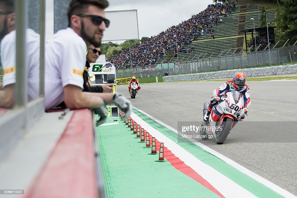 Michael Van Der Mark of Netherlands and Honda World Superbike team leads the field during the Superbike race 2 during the World Superbikes - Race at Enzo & Dino Ferrari Circuit on May 10, 2015 in Imola, Italy.