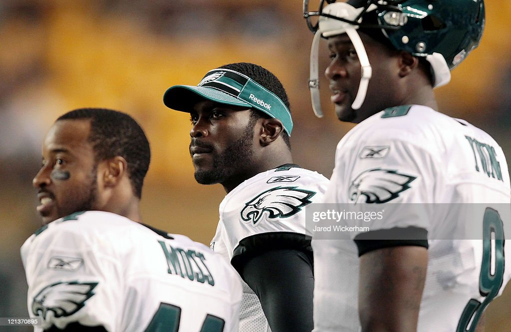 Michael Vick #7 of the Philadelphia Eagles looks up at the scoreboard in the second half during the preseason game against the Pittsburgh Steelers on August 18, 2011 at Heinz Field in Pittsburgh, Pennsylvania.