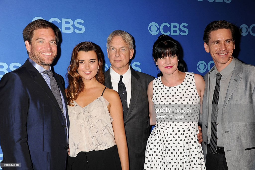 <a gi-track='captionPersonalityLinkClicked' href=/galleries/search?phrase=Michael+Weatherly&family=editorial&specificpeople=3321266 ng-click='$event.stopPropagation()'>Michael Weatherly</a>, <a gi-track='captionPersonalityLinkClicked' href=/galleries/search?phrase=Cote+de+Pablo&family=editorial&specificpeople=235909 ng-click='$event.stopPropagation()'>Cote de Pablo</a>, <a gi-track='captionPersonalityLinkClicked' href=/galleries/search?phrase=Mark+Harmon&family=editorial&specificpeople=208897 ng-click='$event.stopPropagation()'>Mark Harmon</a>, <a gi-track='captionPersonalityLinkClicked' href=/galleries/search?phrase=Pauley+Perrette&family=editorial&specificpeople=625846 ng-click='$event.stopPropagation()'>Pauley Perrette</a> and Brian Dietzen attend the CBS 2013 Upfront Presentation at The Tent at Lincoln Center on May 15, 2013 in New York City.