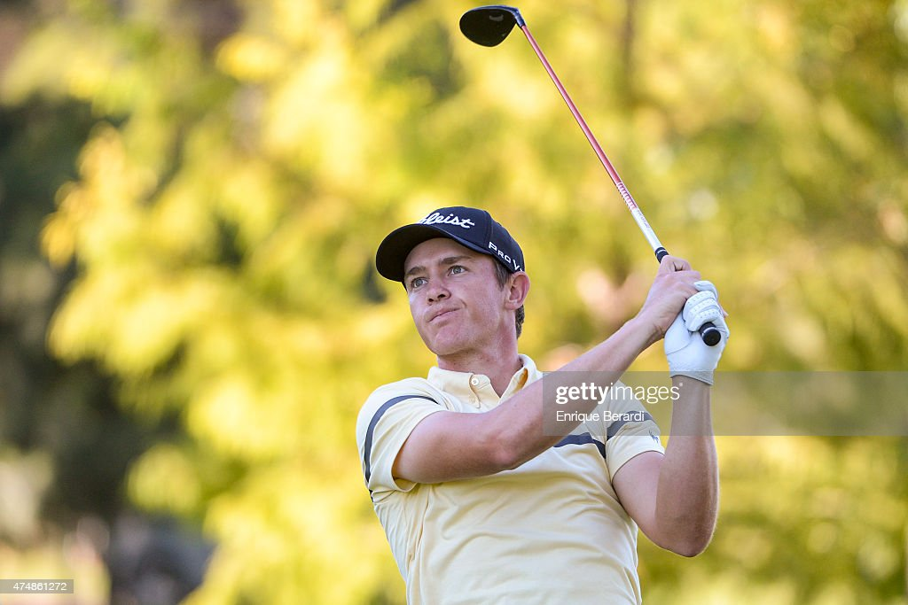 Michael Weaver of the US hits a tee shot during the second round of the 84° Abierto OSDE del Centro presentado pro Fiber Corp at Córdoba Golf Club on...