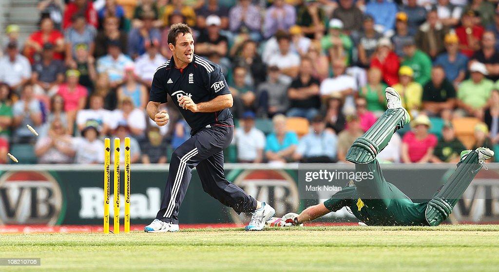 Commonwealth Bank Series - Game 2: Australia v England