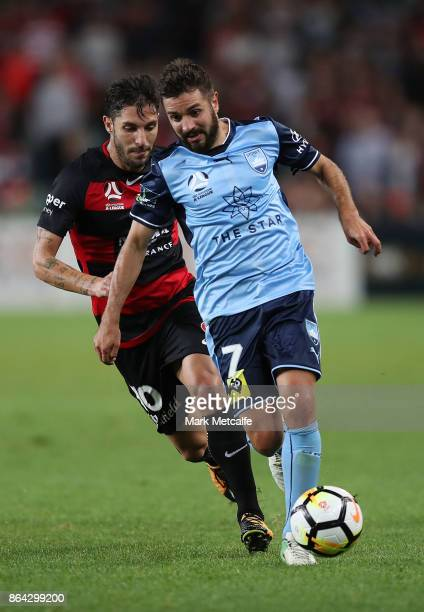 Michael Zullo of Sydney FC in action during the round three ALeague match between Sydney FC and the Western Sydney Wanderers at Allianz Stadium on...