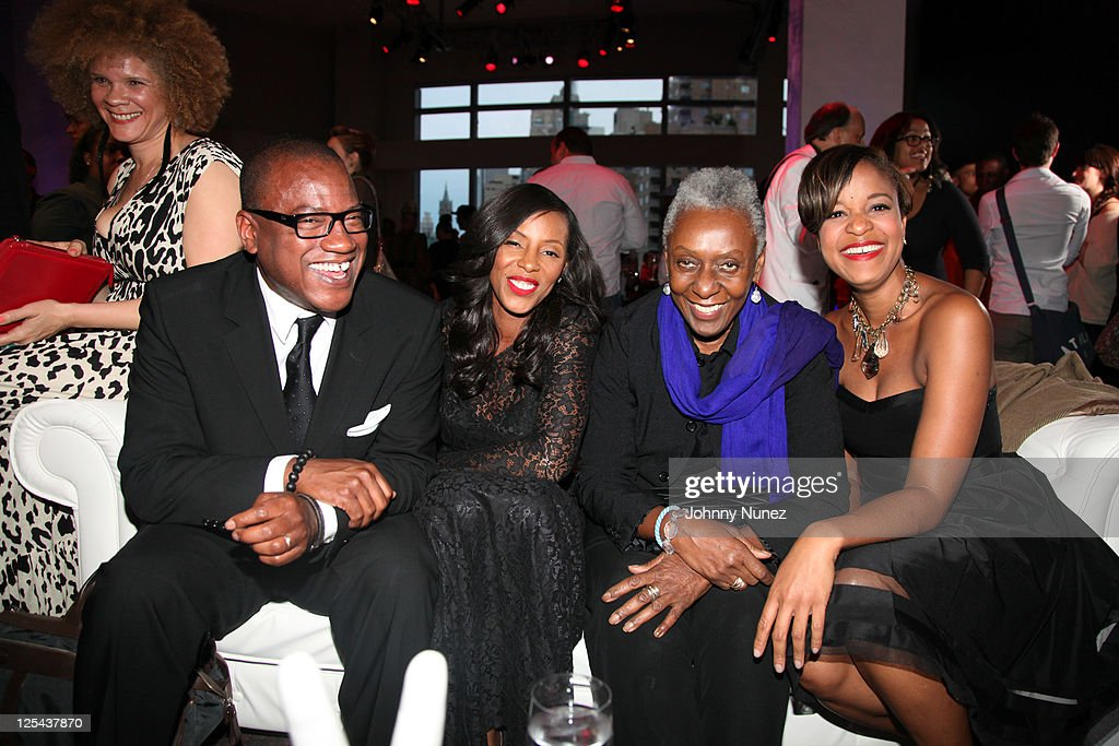 Michaela Angela Davis, Greg Cunningham, <a gi-track='captionPersonalityLinkClicked' href=/galleries/search?phrase=June+Ambrose&family=editorial&specificpeople=619410 ng-click='$event.stopPropagation()'>June Ambrose</a>, <a gi-track='captionPersonalityLinkClicked' href=/galleries/search?phrase=Bethann+Hardison&family=editorial&specificpeople=592075 ng-click='$event.stopPropagation()'>Bethann Hardison</a>, and Brandice Henderson attend Harlem's Fashion Row at Jazz at Lincoln Center on September 16, 2011 in New York City.