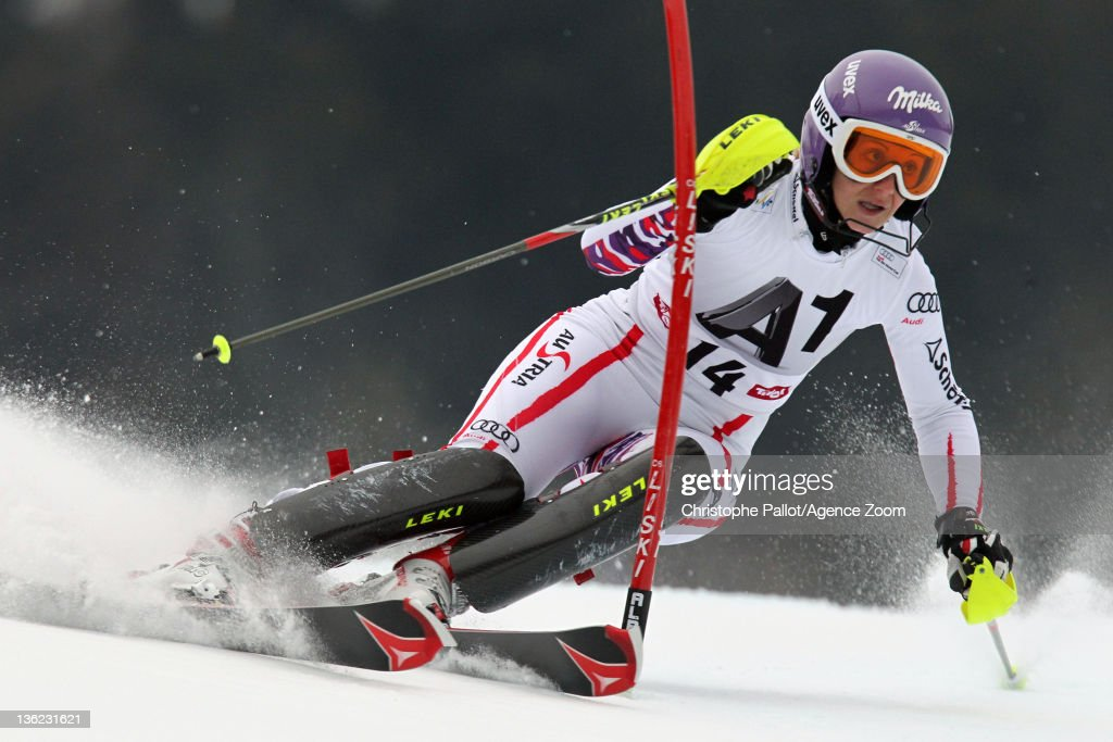 <a gi-track='captionPersonalityLinkClicked' href=/galleries/search?phrase=Michaela+Kirchgasser&family=editorial&specificpeople=722582 ng-click='$event.stopPropagation()'>Michaela Kirchgasser</a> of Austria in action during the Audi FIS Alpine Ski World Cup Women's Slalom on December 29, 2011 in Lienz, Austria.