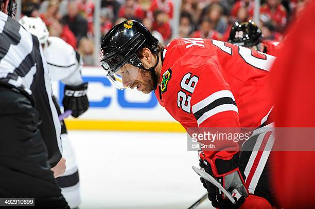 Michal Handzus of the Chicago Blackhawks waits for the faceoff against the Los Angeles Kings in Game One of the Western Conference Final during the...